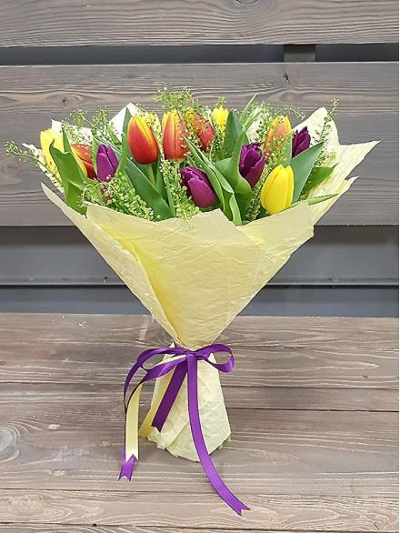 15 тюльпанов микс букет